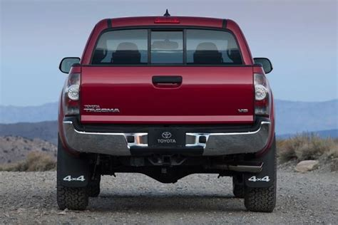 toyota tacoma vs tundra 2015 toyota tundra vs 2015 toyota tacoma what s the