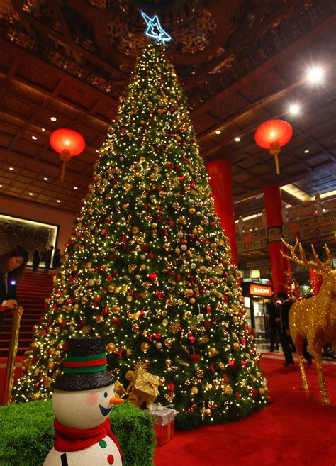 picture of christmas decorations christmas decorations events around taiwan photo essays