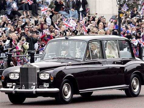 roll royce royal kate middleton rode to royal wedding in rolls royce phantom vi