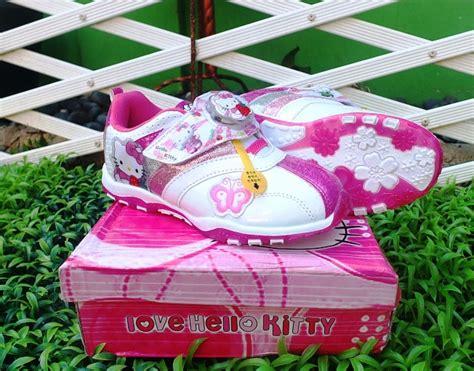 Prewalker Blossom Fanta Pakaian Anak sepatu anak hello lu atas