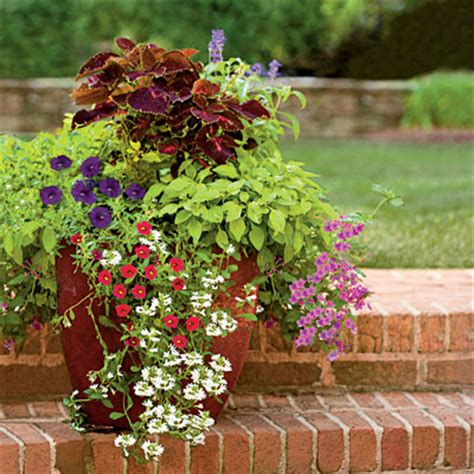 garden arrangements garden flower arrangements ideas7 landscaping