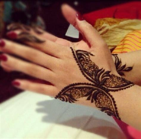 henna butterfly tattoo best 25 henna butterfly ideas on small henna