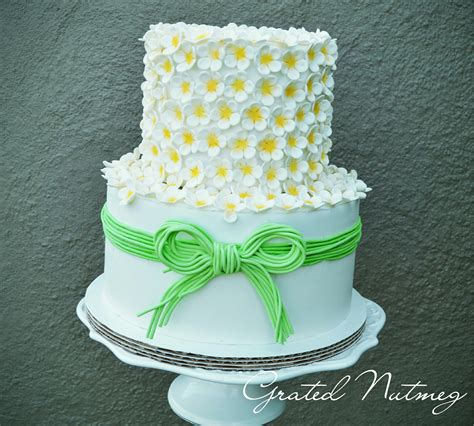 Flowered Wedding Cakes by Wedding Cake With Flowered Top Tier Grated Nutmeg