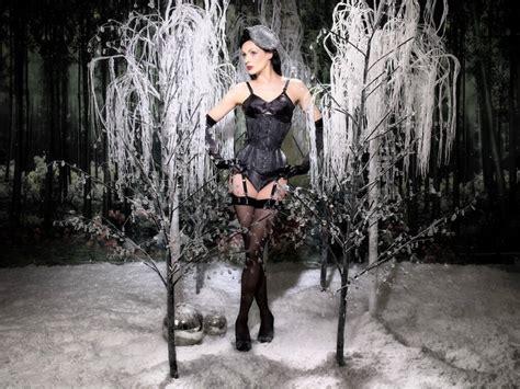 Corset Giveaway - christmas lingerie giveaway what katie did bespoke corset hilstmckenzie s blog