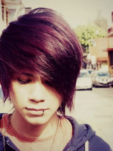 emo boy hair style 40 cool emo hairstyles for guys creative ideas