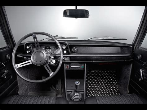 the gallery for gt bmw 2002 interior