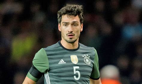 mats hummels chelsea chelsea liverpool and city on alert as german