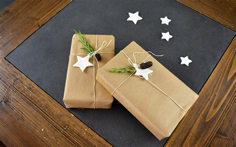 Handmade Gift Wrapping Ideas - 5 handmade gift wrapping ideas