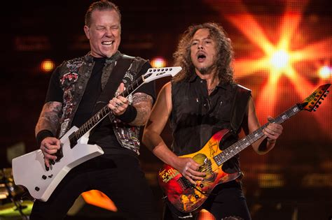 kirk hammett singing metallica s james hetfield and kirk hammett grammy