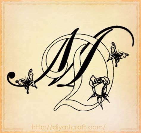 tatuaggio lettere intrecciate intrecciate farfalle e bocciolo di rosa diyartcraft