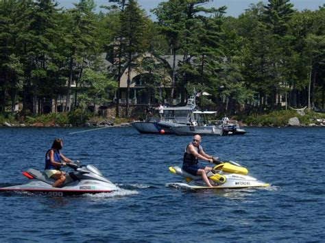 propeller boat nh boat propeller cuts girl on lake winnipesaukee in nh