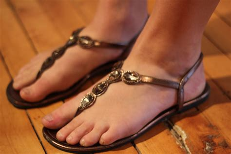foot sandals who says sandals and bunions don 226 t go together