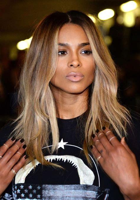 blonde bob on brown skin moda cabellos mechas rubias en el cabello oscuro 2015