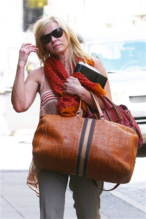updo for hoteliers more pics of chelsea handler oversized tote 3 of 5