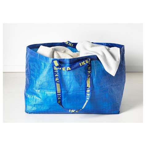 ikea shopping bag in praise of ikea s frakta bag apartment therapy
