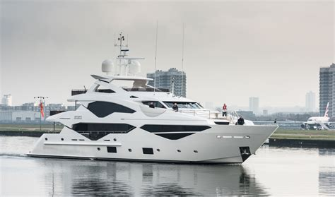 yacht zozo luxury yacht zozo by sunseeker yacht charter