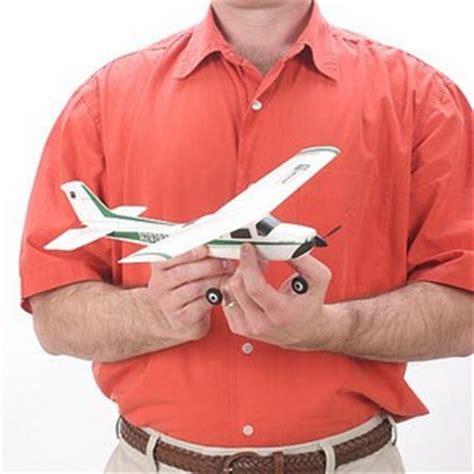 aeromodelli di carta volanti gli aerei radiocomandati rc aeromodelli elettrici volanti