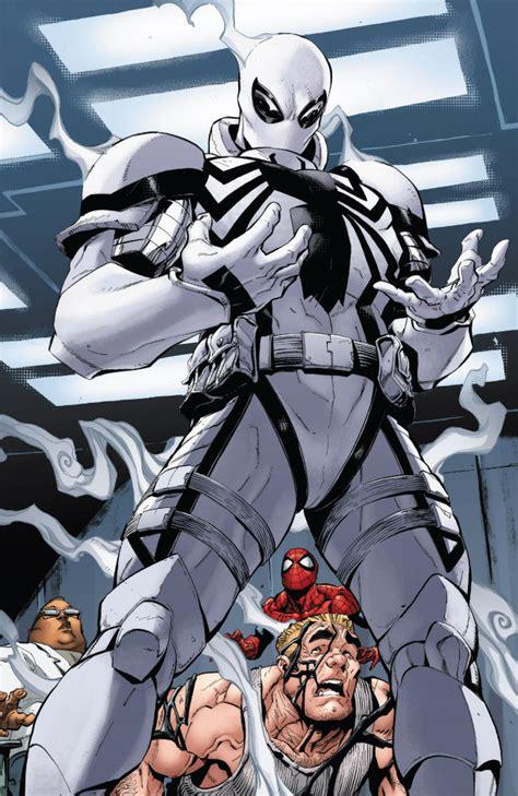 komiksowy spiderman wraca do czerni planeta marvel