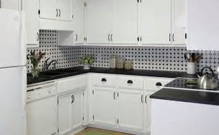 White Backsplash Kitchen by Black And White Backsplash Tile Photos Backsplash Com