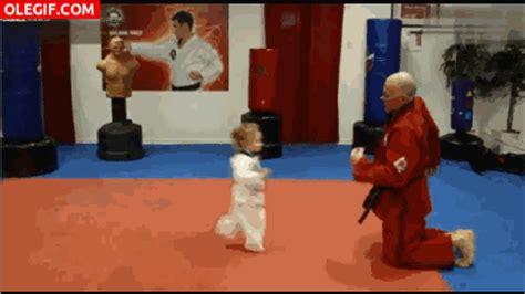 gif: esta niña es una as de las artes marciales (gif #4970)