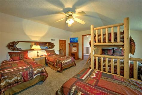 bedroom cabin rental  pigeon forge sleeps
