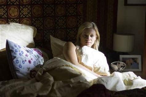 road trip bathroom scene amy smart not a bit cranky in mirrors clickthecity