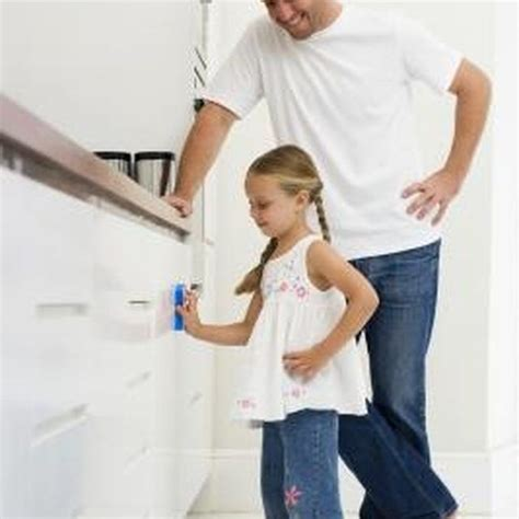 how to clean painted cabinets how to clean white painted cabinets that yellowed