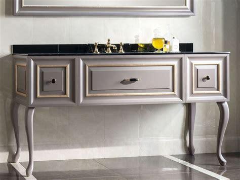 mobili alti per bagno mobili bagno classici uno stile senza tempo arredo bagno