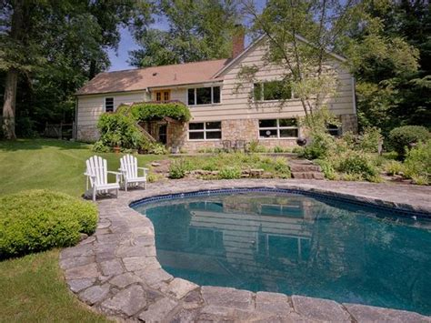 1466 hayes dr yorktown heights ny 10598 zillow