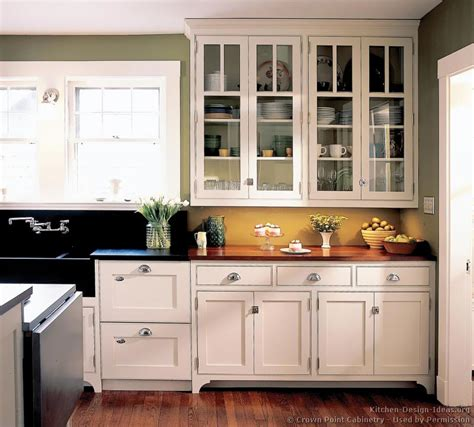pictures of kitchens with white cabinets pictures of kitchens traditional white kitchen