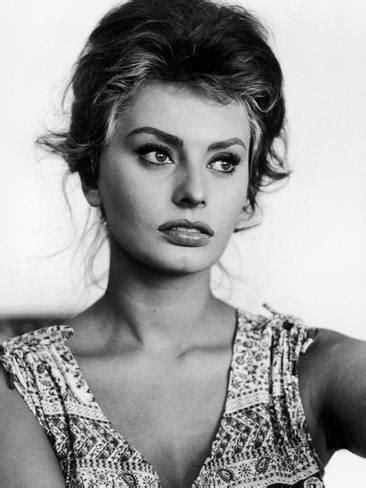 actress sophia loren at home premium photographic print by
