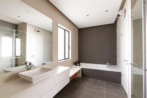 Bathrooms Renovation Ideas by R 233 Novation D Une Salle De Bain Carrel 233 E En B 233 Ton Cir 233