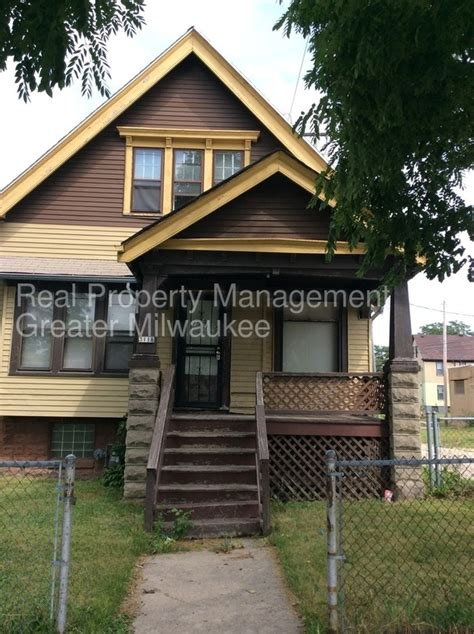 4 Bedroom Houses For Rent In Milwaukee by 4 Bedroom Home With Garage House For Rent In Milwaukee