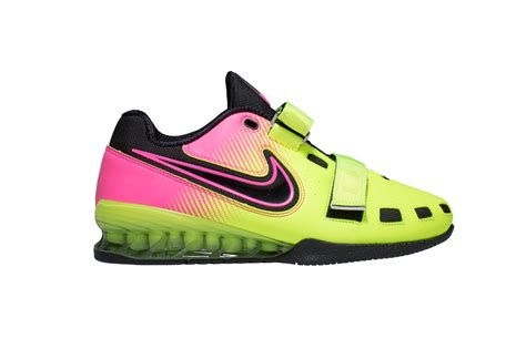 nike lifting shoes there s a new nike romaleos 2 color scheme barbend