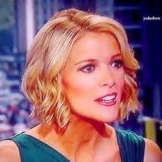 megan kelly hair style why fox news anchors wear so much makeup her hair