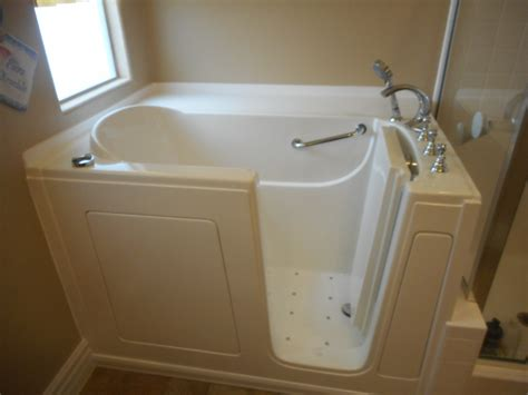 bathtub for seniors illinois walk in tubs before and after il walk in bathtubs