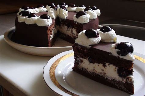 Cak New Black zsuzsa is in the kitchen black forest cake