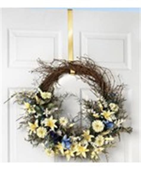 32 Inch Wreath Storage Container by Wreath Storage Wreath Bags And Hooks Organize It