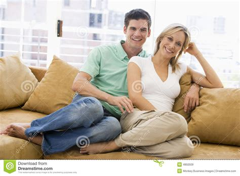 amature couch couple relaxing at home royalty free stock images image