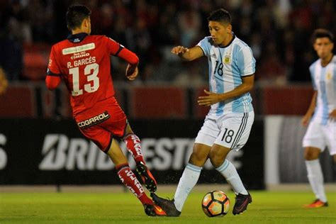 Atletico Tucumán Plays With Argentina Kit And Borrowed ... Atletico Tucuman