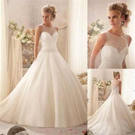 Design Wedding Dresses by Designer Bridesmaid Gowns