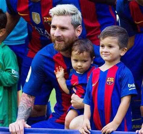 messi and wife adorable photos of lionel messi his wife and kids before