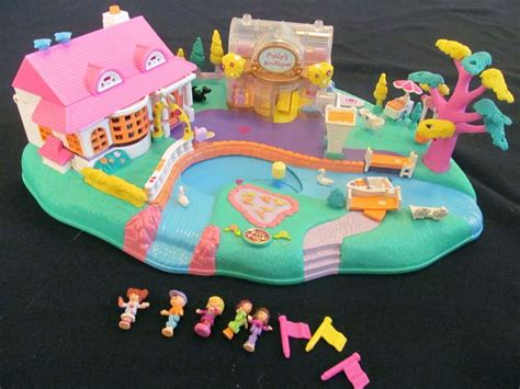 Boneka Vintage Polly Pocket photos boutiques and polly pocket on