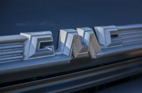 gmc front grill emblem gmc related emblems cartype