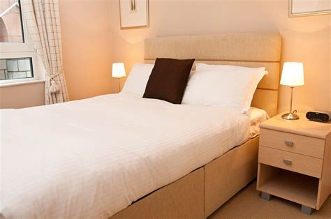 2 bedroom serviced apartments london pepys serviced apartments tower hill london city urban stay