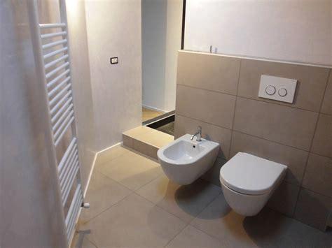 realizzazioni bagni moderni forum arredamento it consigli rivestimento bagno