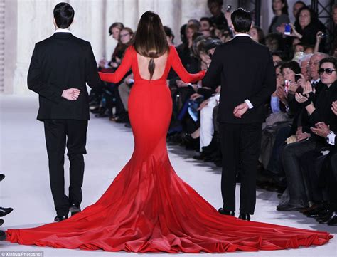 Dress Yasmin 47 yasmin le bon models 110 pound dress by stephan rolland