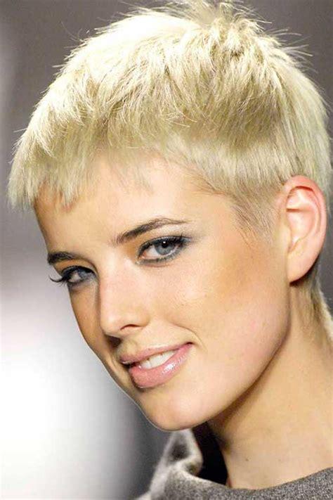 urchin hairstyles agyness deyn pixie cut pixie cut 2015