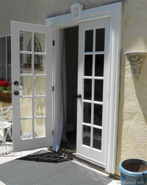 When Life Gives You Windows Make French Doors Chez Sabine How To Make Glass Doors