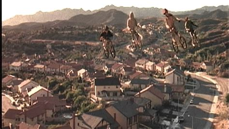 E T Bike Chase Scene by Ride In The Sky Scene 1982 Version From E T The Extra